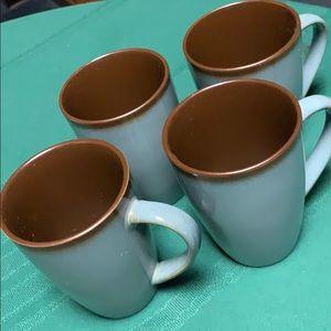 Home Trends Mugs set of 4